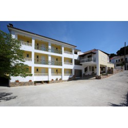 Hotel Ionia 2*- SKOPELOS TOWN
